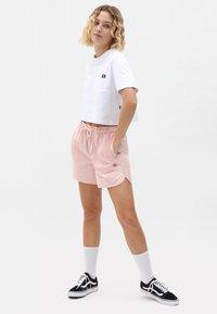 Dickies - VICTORIA - Shorts - light pink - 1