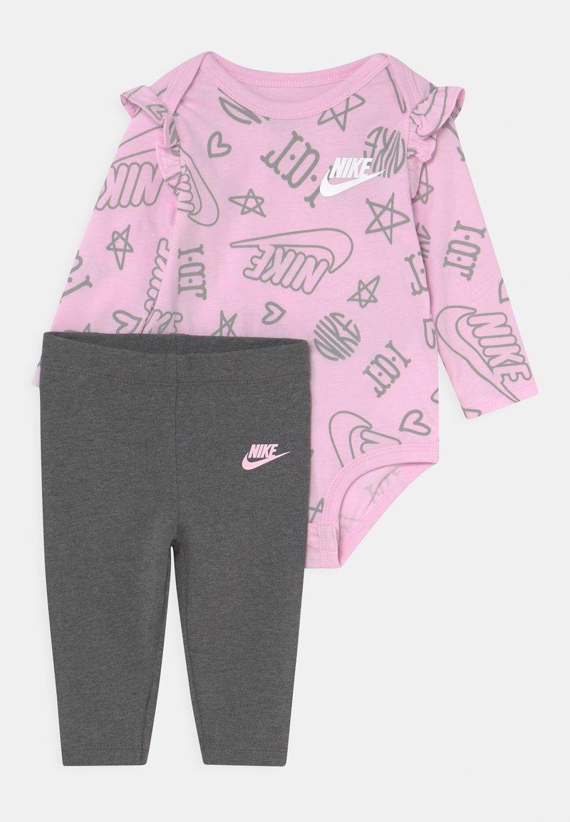 Nike Sportswear - FLUTTER SET - Leggings - charcoal heather