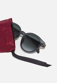 Gucci - Sluneční brýle - grey - 3