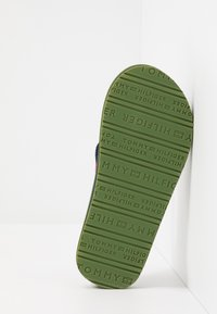 Tommy Hilfiger - T-bar sandals - military green/multicolor - 5