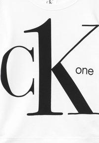 Calvin Klein Jeans - Mikina - white - 3