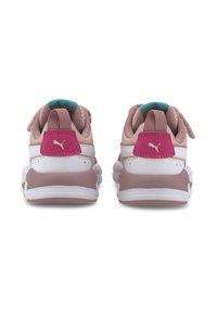Puma - X-RAY AC KIDS - Baskets basses - peachskin-wht-foxglove-pink - 3