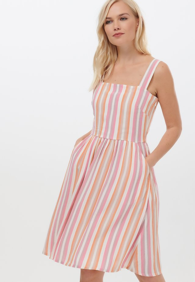 QUEENIE OMBRE STRIPE - Day dress - pink