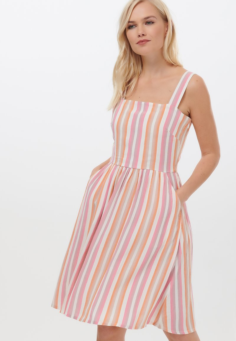 Sugarhill Brighton - QUEENIE OMBRE STRIPE - Day dress - pink