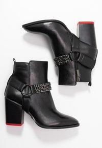 Tamaris - BOOTS - Kotníková obuv - black - 3