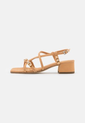Sandály - caramel