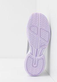 adidas Performance - ADIZERO CLUB - da tennis per terra battuta - grey two/purple tint/footwear white - 5