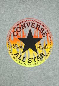 Converse - FLAMES HOODIE - Hoodie - dark grey heather - 2