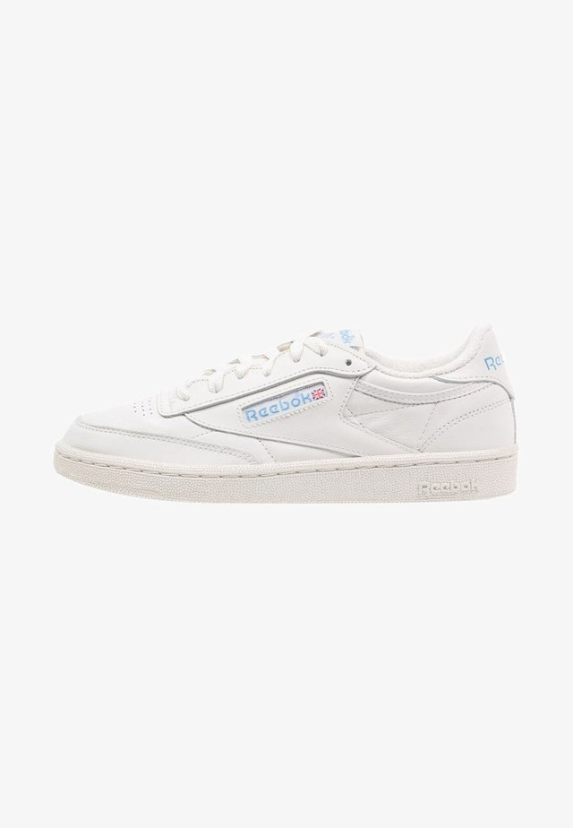 CLUB C 85 VINTAGE SOFT LEATHER SHOES - Sneaker low - chalk/paper white/blue/red