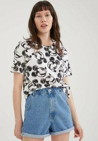 DeFacto - Disney's Mickey - Print T-shirt - white - 0