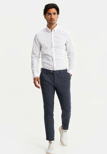 HEREN SLIM FIT PANTALON - Trousers - dark blue