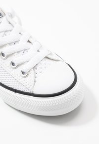 Converse - CHUCK TAYLOR ALL STAR KIDS - Trainers - white/black - 5