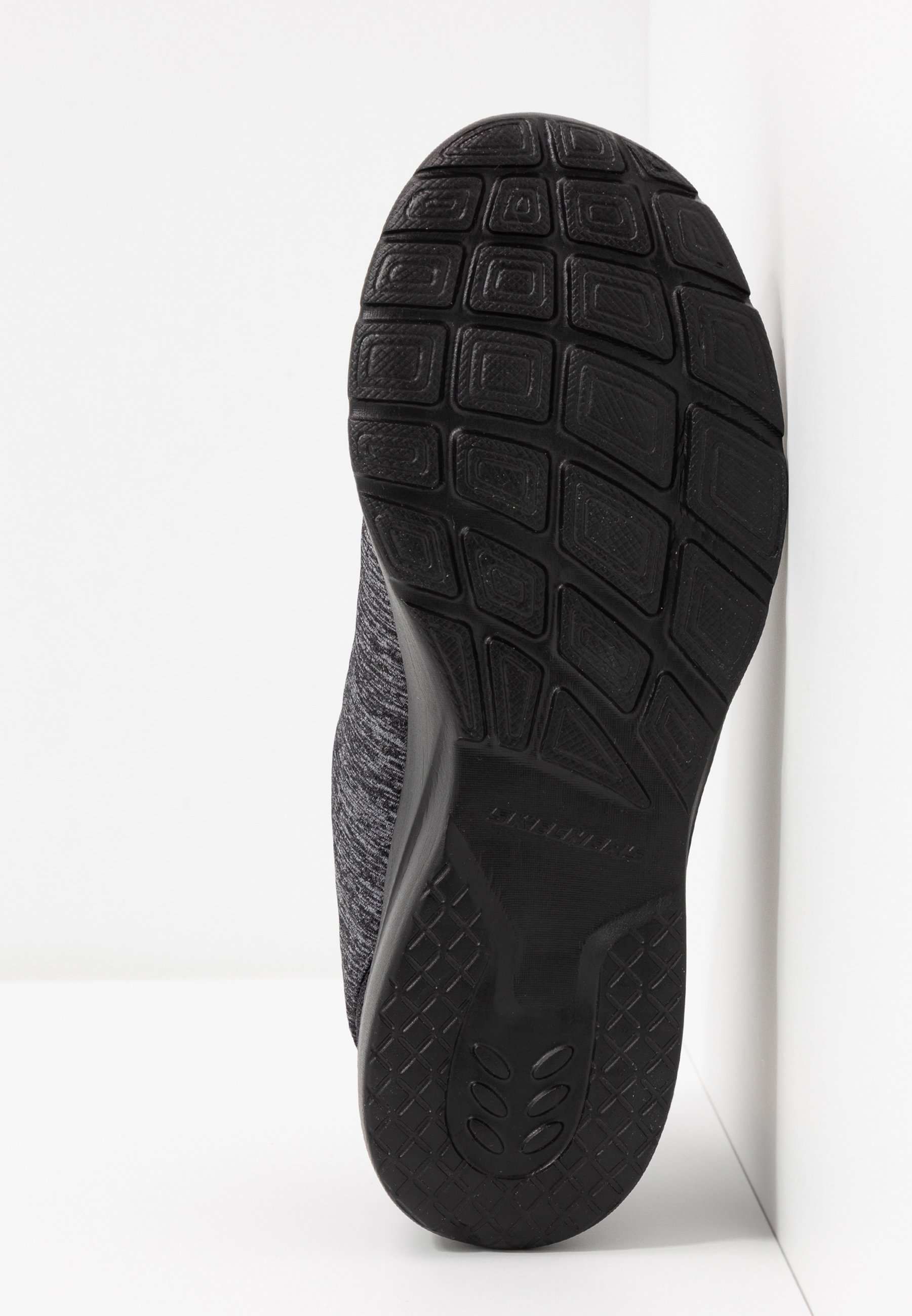Skechers DYNAMIGHT 2.0 Slipper black/charcoal/schwarz