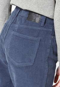 America Today - JADAN CORD - Jeans Tapered Fit - old school blue - 3