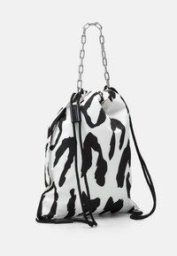 Just Cavalli - Tote bag - bianco/nero - 1