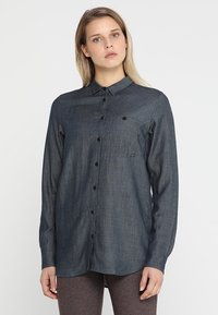 Houdini - OUT AND ABOUT SHIRT - Button-down blouse - blue illusion - 0