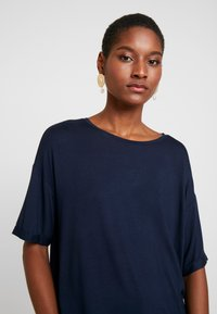 Dranella - TEE - T-shirts med print - dark saphire - 4