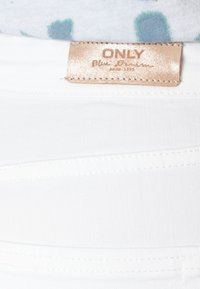 ONLY - ONLBLUSH RAW - Jeans Skinny Fit - white - 5