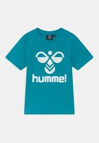 Hummel - TRE DOUBLE 2 PACK UNISEX - Print T-shirt - tea rose/capri breeze - 2