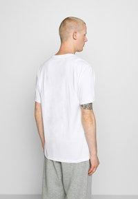 Converse - RETRO FONT WORDMARK  - Print T-shirt - white - 2