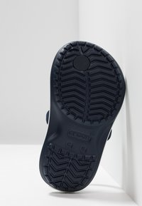 Crocs - CROCBAND STRAP FLIP RELAXED FIT - Pool shoes - navy - 5