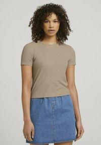 TOM TAILOR DENIM - TEE - Print T-shirt - dune beige - 0