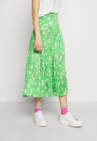 Never Fully Dressed - BLOSSOM BEATRICE SKIRT - Minisukně - green - 0