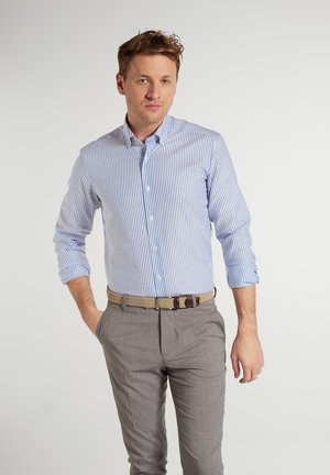 SLIM FIT - Shirt - helllblau/weiss