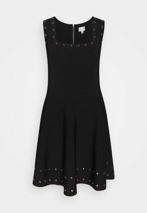 GROMMET TIERED DRESS - Freizeitkleid - black