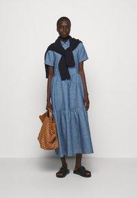HUGO - ENNISH - Košilové šaty - medium blue - 1