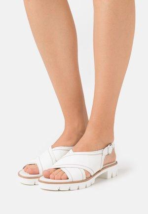Sandály na platformě - weiss