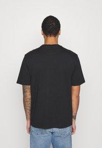 adidas Originals - TREFOIL TEE UNISEX - T-shirts med print - black/blue - 2
