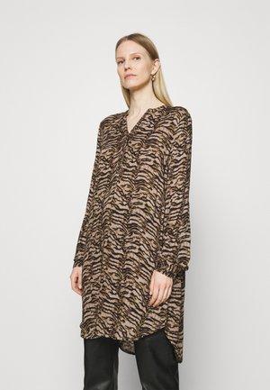 KAMARANA DRESS - Day dress - brown