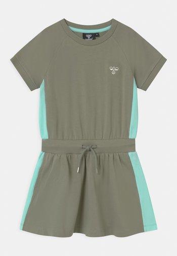 SUNNY - Sportovní šaty - vetiver