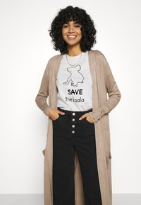 ONLY - ONLCECILIA LONG CARDIGAN - Cardigan - sand - 3