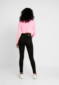 Pieces - PCNORA STAY - Slim fit jeans - black - 3