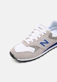New Balance - 393 UNISEX - Sneakers - grey - 6