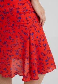 McQ Alexander McQueen - CUT UP SEAM SKIRT - A-line skirt - blazing orange - 4