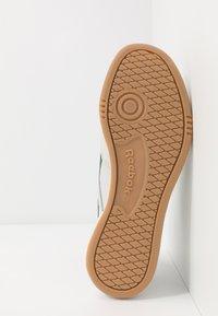 Reebok Classic - CLUB REVENGE - Zapatillas - porcelain/utility green/vector navy - 4