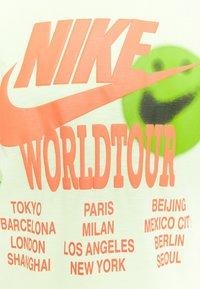Nike Sportswear - Long sleeved top - liquid lime - 6