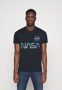 Alpha Industries - NASA RAINBOW  - Print T-shirt - dark blue - 0