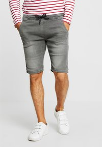 TOM TAILOR DENIM - Szorty jeansowe - clean bleached grey denim - 0
