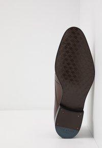 Ted Baker - SUMPSA DERBY SHOE - Stringate eleganti - brown - 4