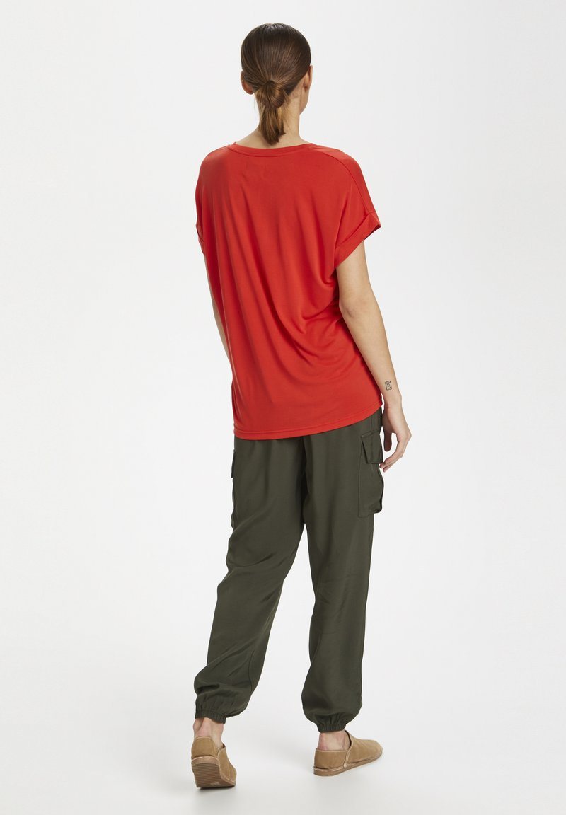 Culture KAJSA - T-Shirt basic - fiery red/rot 25Wsr1
