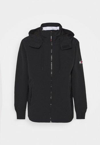 ESSENTIAL HOODED JACKET - Summer jacket - black