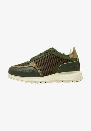 Sneakers laag - grape leaf