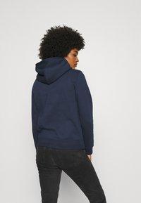 Tommy Jeans - REGULAR HOODIE - Sweat à capuche - blue - 2