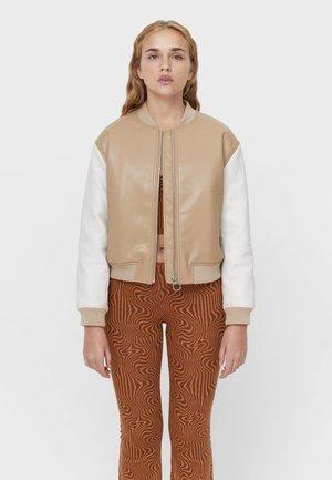 MIT SIEBDRUCK - Faux leather jacket - beige