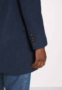 Isaac Dewhirst - NOTCH - Classic coat - dark blue - 4