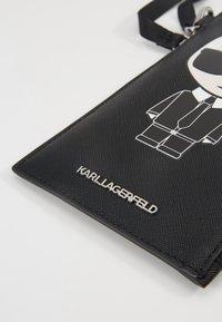 KARL LAGERFELD - Phone case - black - 3